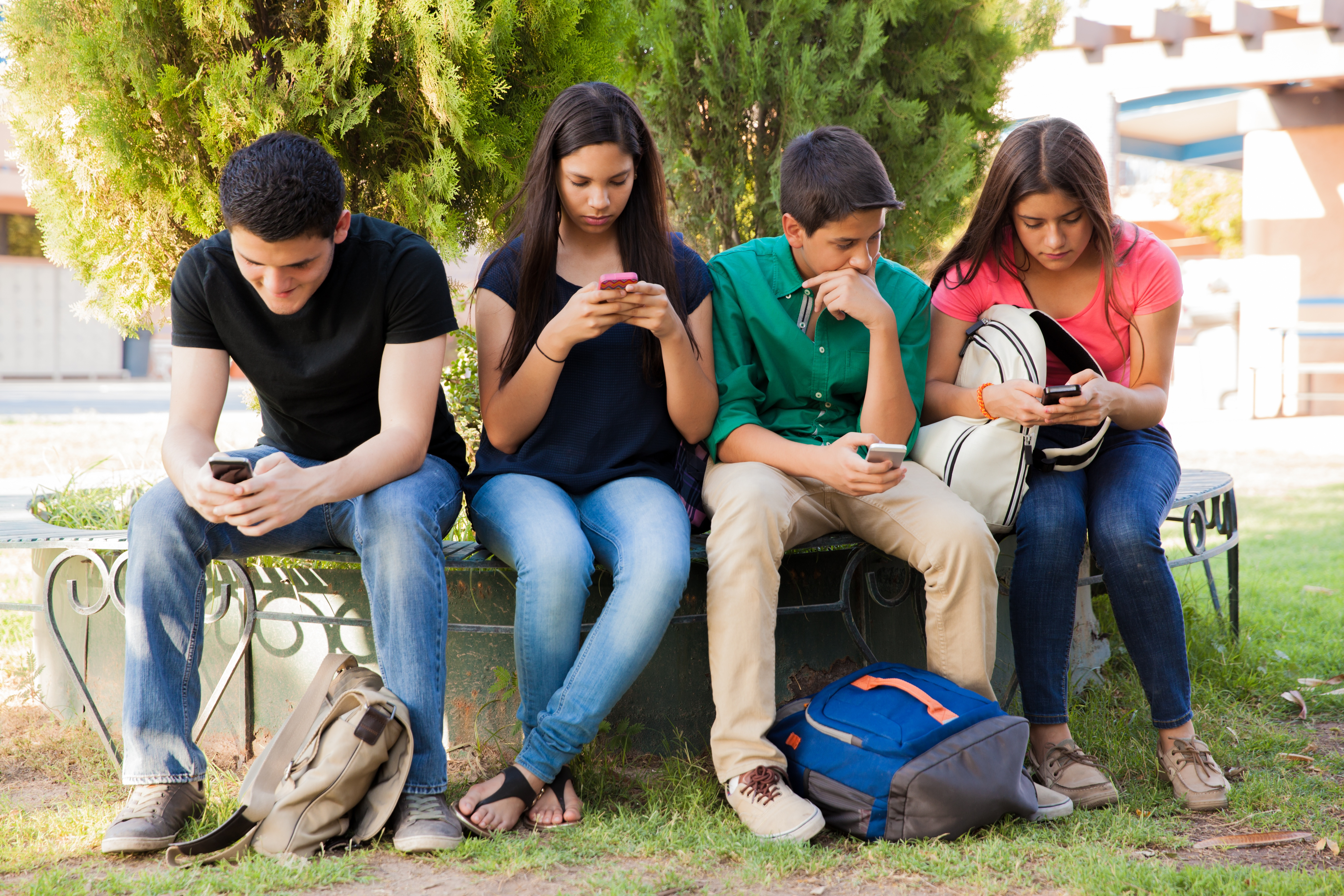 dailouge mukalma on use misuse of mobile phones between two students